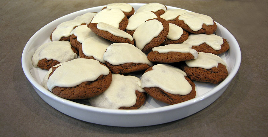 chocolate molasses cookies adapted from grouprecipes com chocolate ...